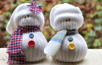 Снеговик из носочка своими руками
