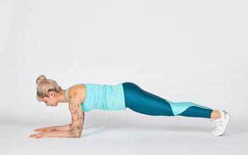 Эффективные упражнения для прямой спины в домашних условиях