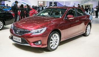 Toyota Reiz - китайский аналог японского Mark X