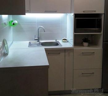 """Живая зеленая """"стена"""" и аквариум на кухне"""