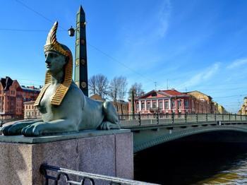 Египетский мост в Санкт-Петербурге: почему он оказался в учебниках физики?