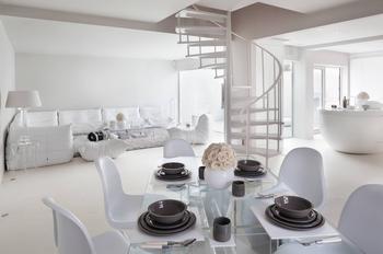 Современный, белый и необычный интерьер дома