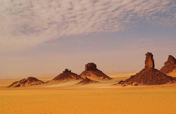 Тассилин-Адджер: уникальная каменистая долина в пустыне Сахара