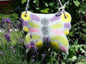 Валяем сумку-бабочку своими руками