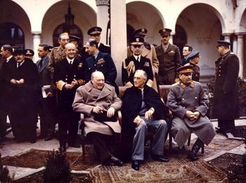 Почему Черчиль опасался СССР и планировал нападение?