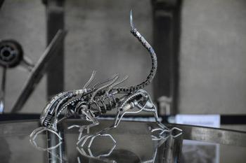 Скульптуры из металлолома, вдохновлённые фантастическими фильмами