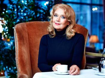 Пусть мама меня непременно найдёт: 11 российских знаменитостей, которые стали приёмными родителями
