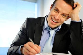 Как написать заявление на материальную помощь: образец и причины