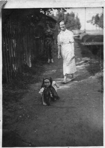 Семейное архивное фото разных лет