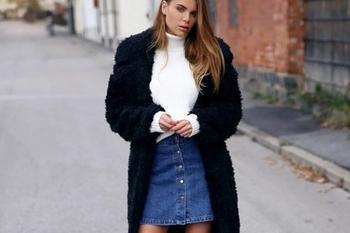 Зимние образы с джинсовыми юбками