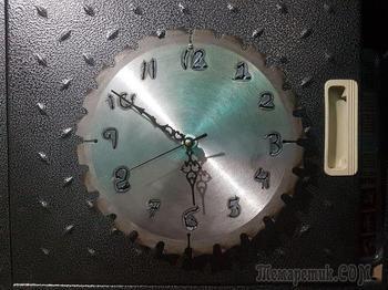 Часы из дисковой пилы