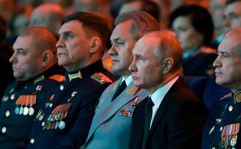 Путин сообщил об оснащении армии «оружием будущего»