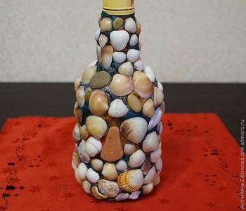 Декорируем бутылку ракушками