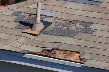 Что делать, если управляющая компания не реагирует на протечку крыши?