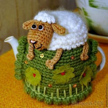 Вяжем грелку на чайник «Овечка на пригорке»