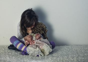 Как измена одного из родителей разрушает жизнь ребенка
