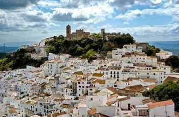 Город, где не знают слов «безработица», «полиция» и получают по тысяче евро!