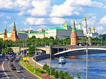 S&P улучшило прогноз по рейтингам России