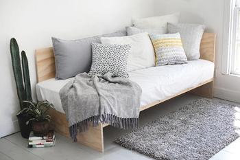 Стильный диван из фанеры (который вы сделаете за 1 день)!