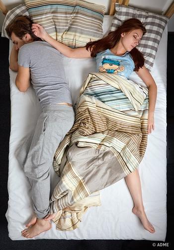 Выберите позу, в которой вы спите, чтобы узнать кое-что важное о ваших отношениях