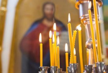 Зачем мы ставим свечи в храме