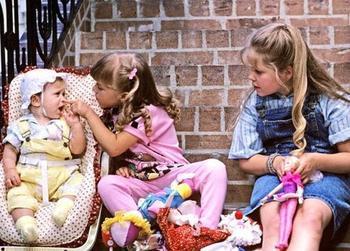 Наличие младшей сестры увеличивает ваши шансы набрать лишний вес, и мы расскажем почему