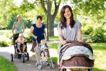 Друзья после рождения ребенка: вместе или врозь