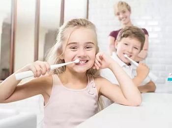 Как выбрать правильную зубную пасту для ребенка