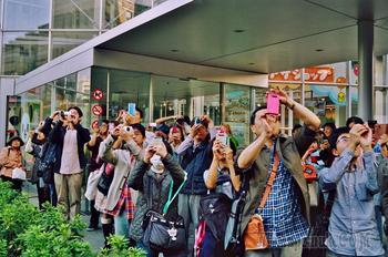 «Искры: приключения в уличной фотографии» Стивена Лесли