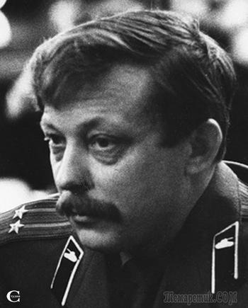 8 декабря - день памяти  поэта, писателя, военного журналиста   Юрия Николаевича БЕЛИЧЕНКО  (28 апреля 1939 - 8 декабря 2002)