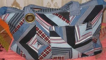 Сумка-саквояж из плотной рубашки