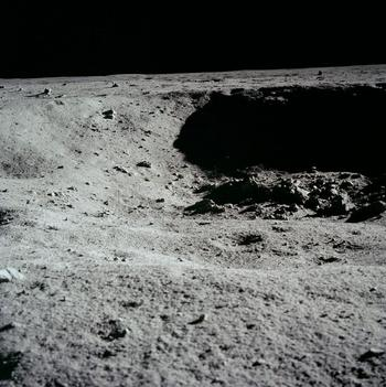 Какие тайны хранит Луна