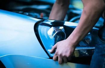 Как избавиться от тусклости автомобильных фар и сделать так, чтобы они заиграли новыми красками