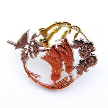 Крошечные объекты вырезанные Микой Адамсом из монет