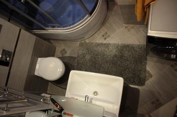 Все оттенки серого в ванной комнате