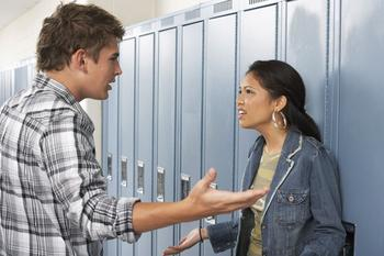 7 секретов ваших отношений, которыми не стоит делиться с друзьями