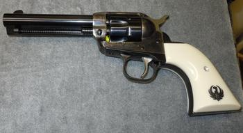 """Револьвер """"Ругер"""": характеристики, описание, устройство"""