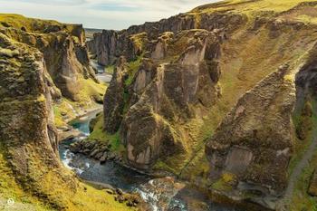 Фьядраургльуфур: один из самых величественных каньонов в Исландии
