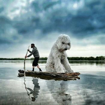 Его гигантская собака участвует во всех приключениях…