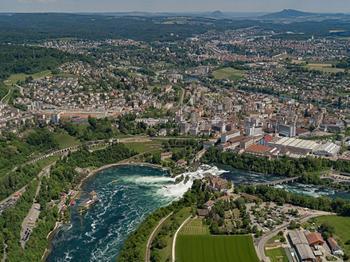 Рейнский водопад в аэрофотоснимках Бернхарда Ланга