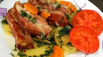 Рёбрышки свиные тушёные с обжаренными овощами