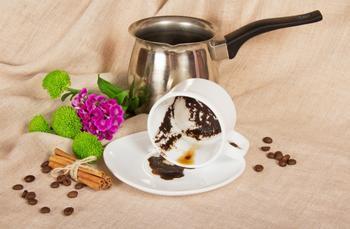15 способов полезного применения кофейной гущи в быту