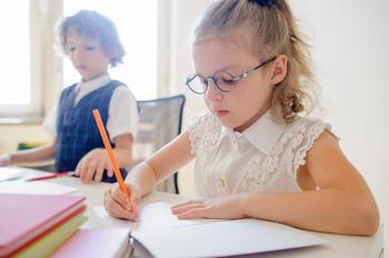 3 способа научить ребенка писать аккуратно и красиво