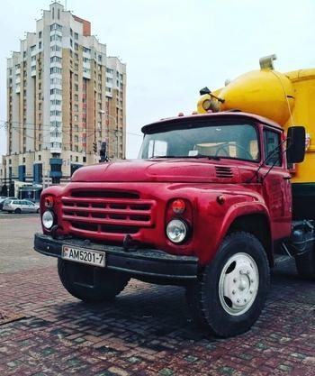 Легендарные грузовики ЗИЛ