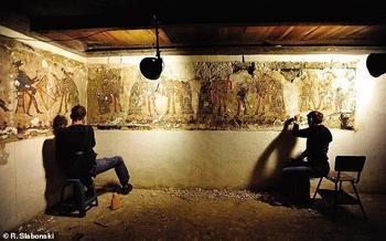 Польские учёные изучают уникальные фрески майя