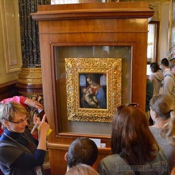 Эрмитаж продал картины Ван Гога, да Винчи и другие полотна в виде NFT-токенов на сумму 32 млн рублей