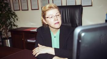 Мизулина объяснила, почему требует исключить психологов в российских школах