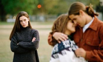Увела мужа из семьи: отношения, возможные трудности и советы психологов