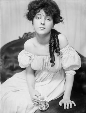 7 поступков, которыми викторианская леди опозорила бы свое имя. А мы их регулярно совершаем
