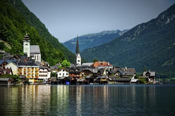 Хальштатт: очаровательный городок на берегу ледникового озера